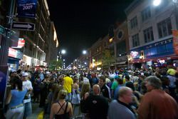 A massive crowd on Saturday night in downtown Trois-Rivières to celebrate the Grand Prix and the 37