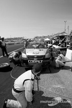 Pit stop for #138 GS Motorsports Chevrolet Cobalt SS: Andrew Danyliw, Gunter Schmidt