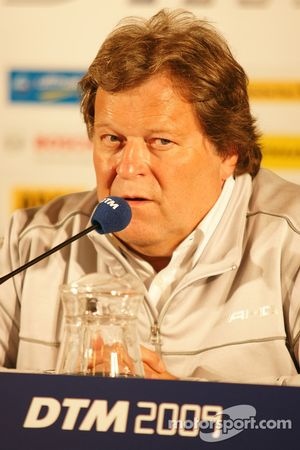 Press conference: Norbert Haug, Sporting Director Mercedes-Benz