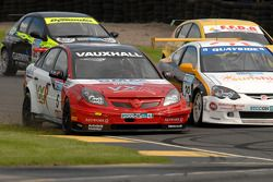 Matt Neal overtakes Paul O'Neill