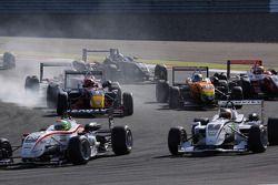 Start: Alexander Sims, Muecke Motorsport Dallara F308 Mercedes and Christian Vietoris, Muecke Motors