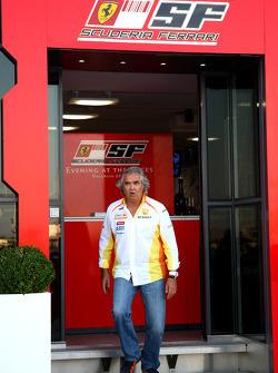 Flavio Briatore, Renault F1 Team, Team Chief, Managing Director leaving the Ferrari Motorhome