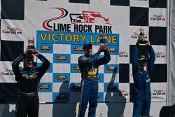 Le trio du podium: Ryan Truex, Eddie MacDonald et Jason Holehouse