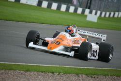 Rowland Kinch, Arrows A4