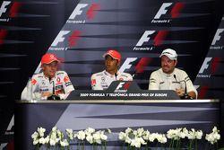 Conferencia de prensa de la FIA: Ganador de la pole Lewis Hamilton, McLaren Mercedes, segundo puesto