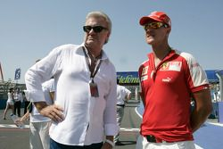 Michael Schumacher, Ferrari, mit Manager Willi Weber