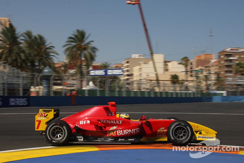 A última chance na GP2 foi em 2009. Com a Racing Engineering, campeã do ano anterior, Di Grassi fechou o campeonato novamente em terceiro, com uma vitória.
