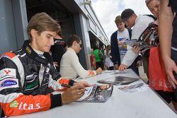 Autograph session: Nicola De Marco