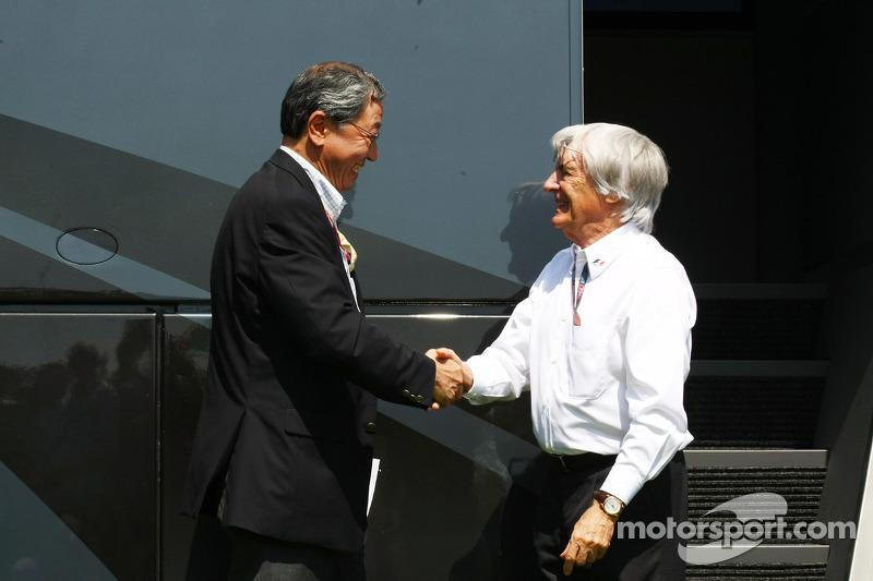 Bernie Ecclestone et Mr Hiroshi Oshima, ont conclu un accord pour que le Japon accueille la formule 1 à Suzuka pour 3 années supplémentaires