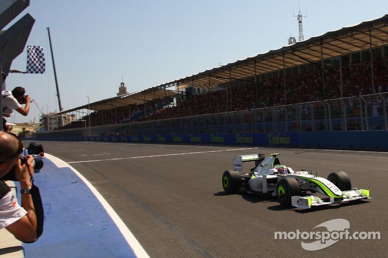 Yarış galibi Rubens Barrichello, Brawn GP