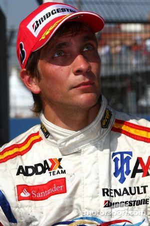 Vitaly Petrov, Barwa Addax Team