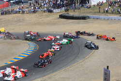 Multiple car crash at the start