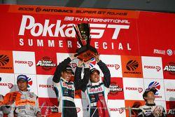 GT300 podium: class winners Kazuki Hoshino and Masataka Yanagida