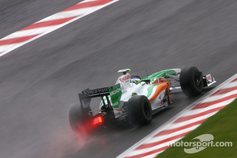 Force India еще не была самой эффективной командой Ф1 и лишь мечтала о первых очках. А выступали за нее Джанкарло Физикелла и Адриан Сутиль