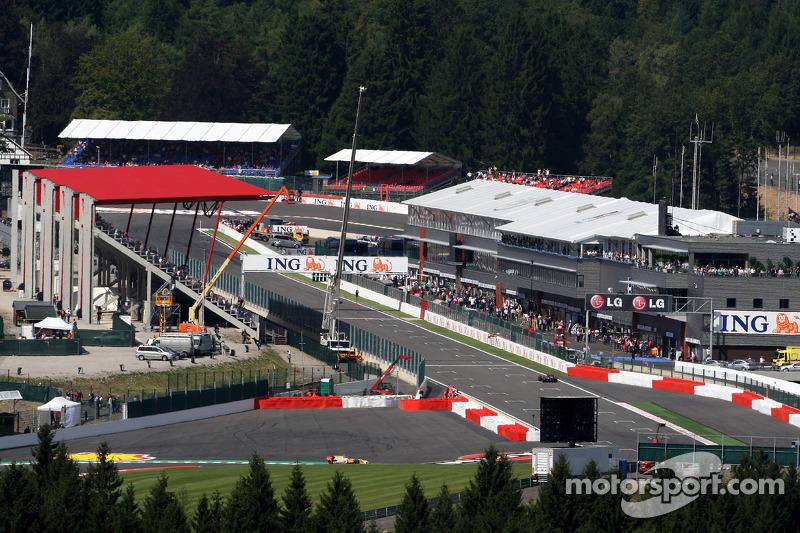 В конце августа 2009-го Формула 1 приехала в Бельгию на трассу «Спа-Франкоршам», где должен был пройти 54-й в рамках чемпионата Ф1 и 65-й вообще Гран При Бельгии