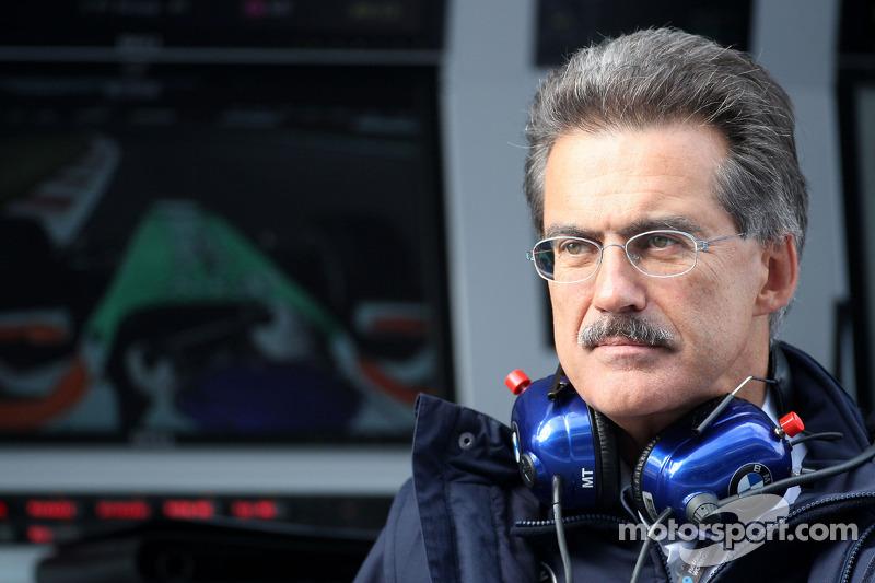 Самые крутые усы в паддоке были не у Чейза Кэри (о котором тогда еще никто и не знал), а у руководителя BMW Motorsport Марио Тайссена. Его команда BMW-Sauber проводила в Ф1 последний сезон перед уходом