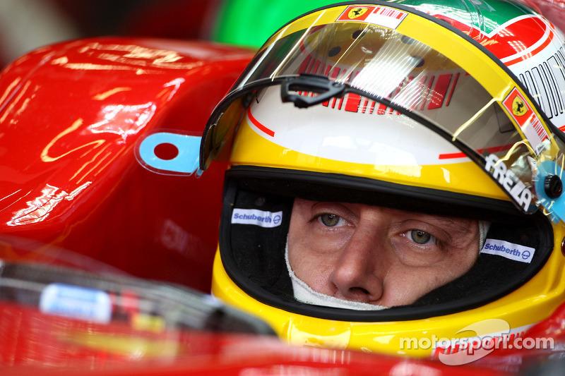 """20. <img src=""""https://cdn-8.motorsport.com/static/img/cfp/0/0/0/100/108/s3/italy-2.jpg"""" alt="""""""" width=""""20"""" height=""""12"""" /> Luca Badoer, 51 Grandes Premios y ningún podio (1993-2009). Su mejor resultado es el 7° puesto (en San Marino 1993)."""