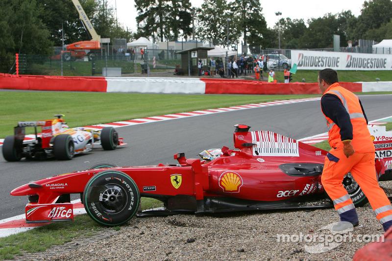 Luca Badoer, Test Pilotu, Scuderia Ferrari, kazaed qualifying