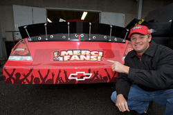 Kenny Wallace says 'Merci' to his fans