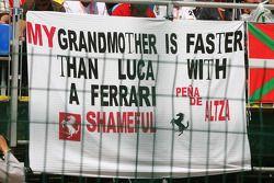 Une bannière de fan pour Luca Badoer, Scuderia Ferrari