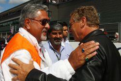 Vijay Mallya Force India F1 dueño del equipo y Hermann Tilke