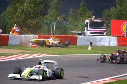 Romain Grosjean, Renault F1 Team accidenté lors du premier tour