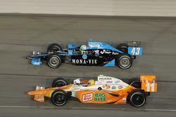 Tomas Scheckter, Dreyer & Reinbold Racing and Toni Kanaan, Andretti Green Racing