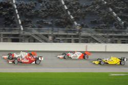 Ryan Briscoe, Team Penske; Scott Dixon, Target Chip Ganassi Racing; Helio Castroneves, Team Penske;