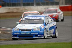 Mat Jackson leads Colin Turkington and Fabrizio Giovanardi