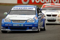 Mat Jackson leads Rob Collard