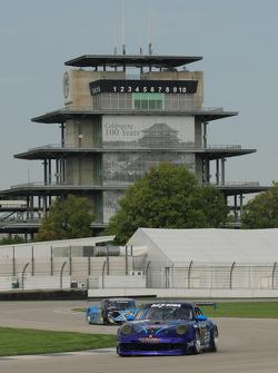 #68 TRG Porsche 911 GT3: Spencer Pumpelly, Kevin Buckler followed by #6 Michael Shank Racing Ford Riley: Michael Valliante, John Pew, Michael Shank