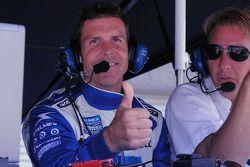 Scott Pruett gives a thumbs up