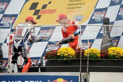 Podio: ganador de la carrera Jorge Lorenzo, Fiat Yamaha Team, segundo lugar Alex De Angelis, San Car