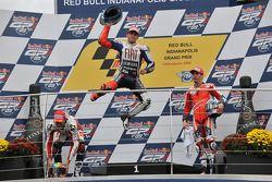 Podium: race winner Jorge Lorenzo, Fiat Yamaha Team, second place Alex De Angelis, San Carlo Honda G