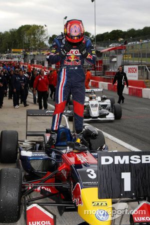 Mika Maki, Signature, Dallara F308 Volkswagen, wins the race