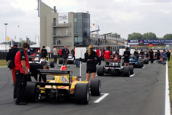 German Sanchez and the other cars on the grid