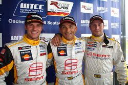 Gabriele Tarquini, Seat Sport, Seat Leon 2.0 TDI en pole position Rickard Rydell, Seat Sport, Seat Leon 2.0 TDI et Marin Colak, Colak Racing Team Ingra, Seat Leon 2.0 TFSI 2nd