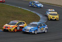 Rickard Rydell, Seat Sport, Seat Leon 2.0 TDI and Robert Huff, Chevrolet, Chevrolet Cruze