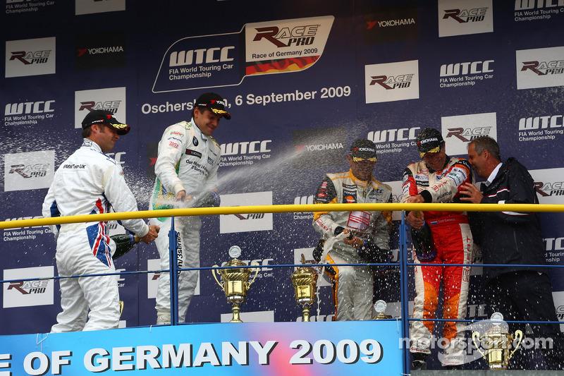 Andy Priaulx, BMW Team UK, BMW 320si and Augusto Farfus, BMW Team Germany, BMW 320si