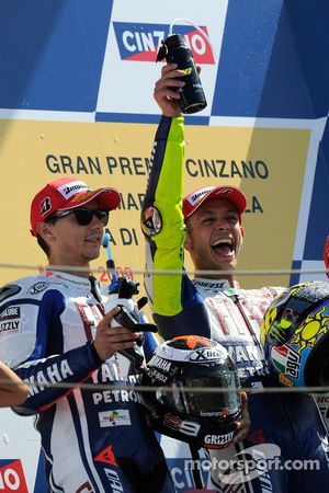 Podium: race winner Valentino Rossi, Fiat Yamaha Team, and second place Jorge Lorenzo, Fiat Yamaha T