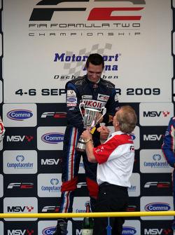 Mikhail Aleshin et Jonathan Palmer sur podium