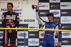 Mikhail Aleshin et Julien Jousse sur le podium