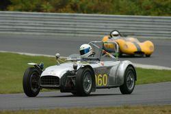 Рик Литтл за рулем Lotus Seven 1959 года