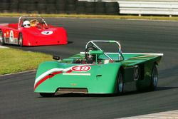 Robert Paltrow- Chevron B-19 et la Lola T492 de Robert Willes
