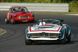 Mark Ferrara- 1970 Corvette et Pierre Honegger- Aston Martin DB4