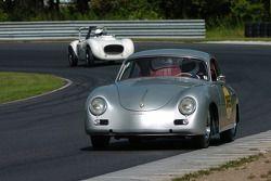 #365- Pete Brittingham 1958 Porsche 356 et Robert Millstein 1953 Hansgen Jaguar