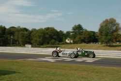 Phil Roettjer Lotus 7 et la MG-TD de Paul Fitzgerald