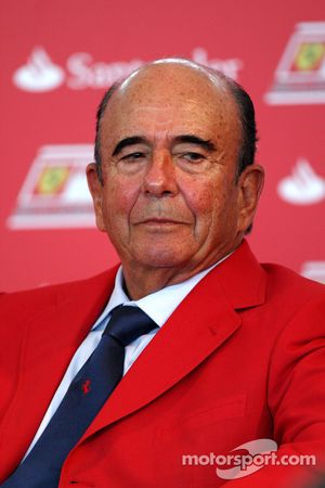 Don Alfredo Saenz CEO Grupo Santander announce a five year partnership for Santander with the Ferrari team