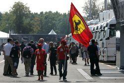 Scuderia Ferrari fans