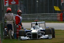 Robert Kubica, BMW Sauber F1 Team, stopped on track in Q2